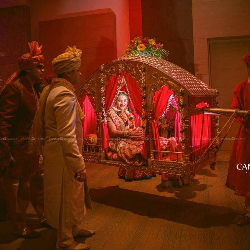 Pinterest Bhavi91 Wedding Photography Poses Bridal Party Bride Entry Indian Wedding Photography