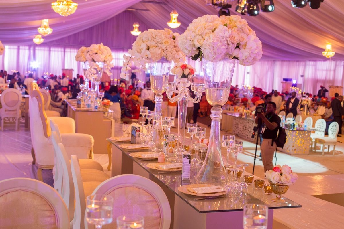 20 pretty perfect all white reception decor nigerian weddings oaken events is a nigeria based wedding design company that provides everything from security to lightning to decor to menu and drinks junglespirit Images