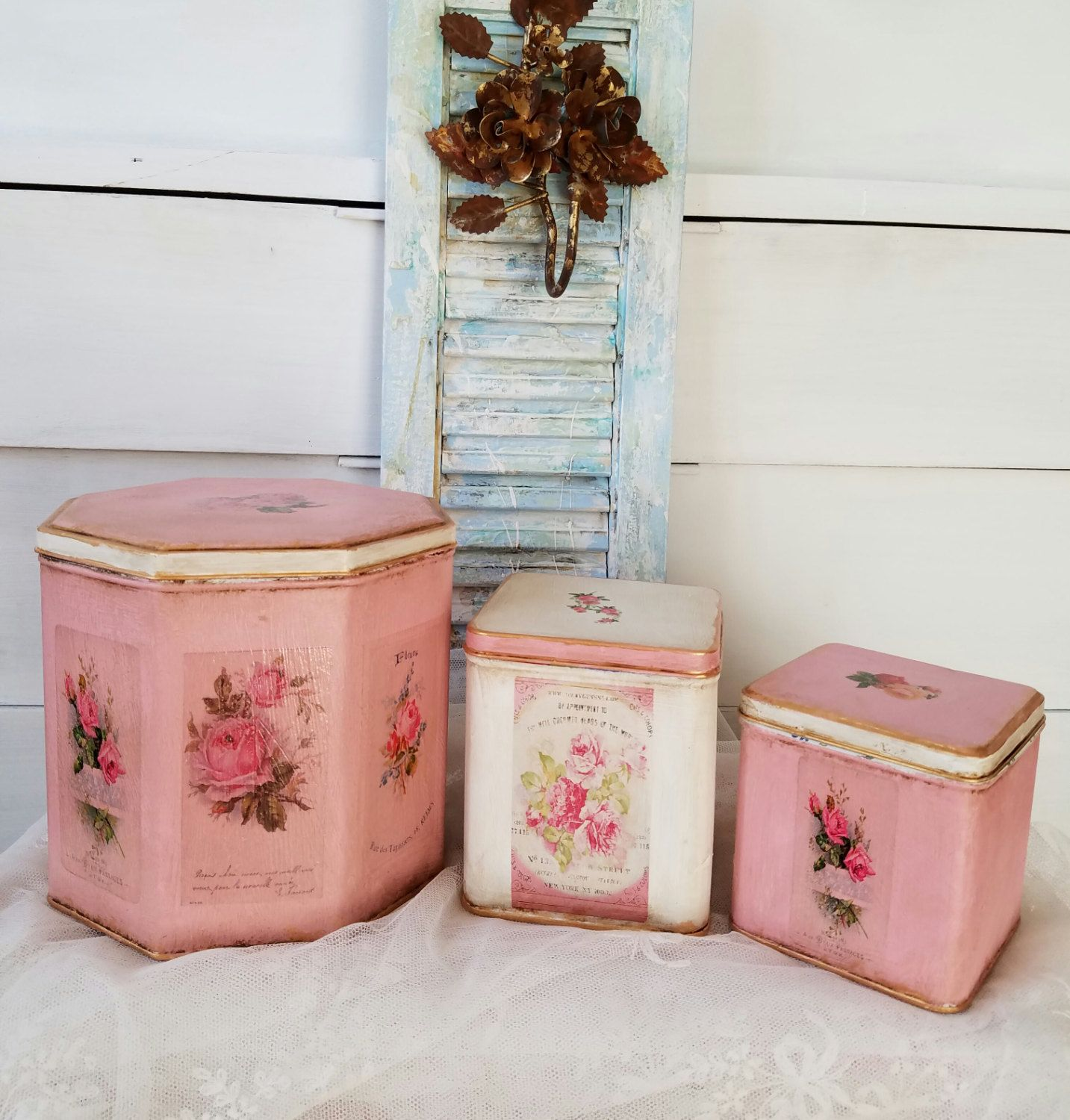 Pink White Shabby Cottage Decorative Canister Sets Kitchen Storage Vintage Tins Kitchen Decor Distressed Hand Painted Home Decor Set Of 3