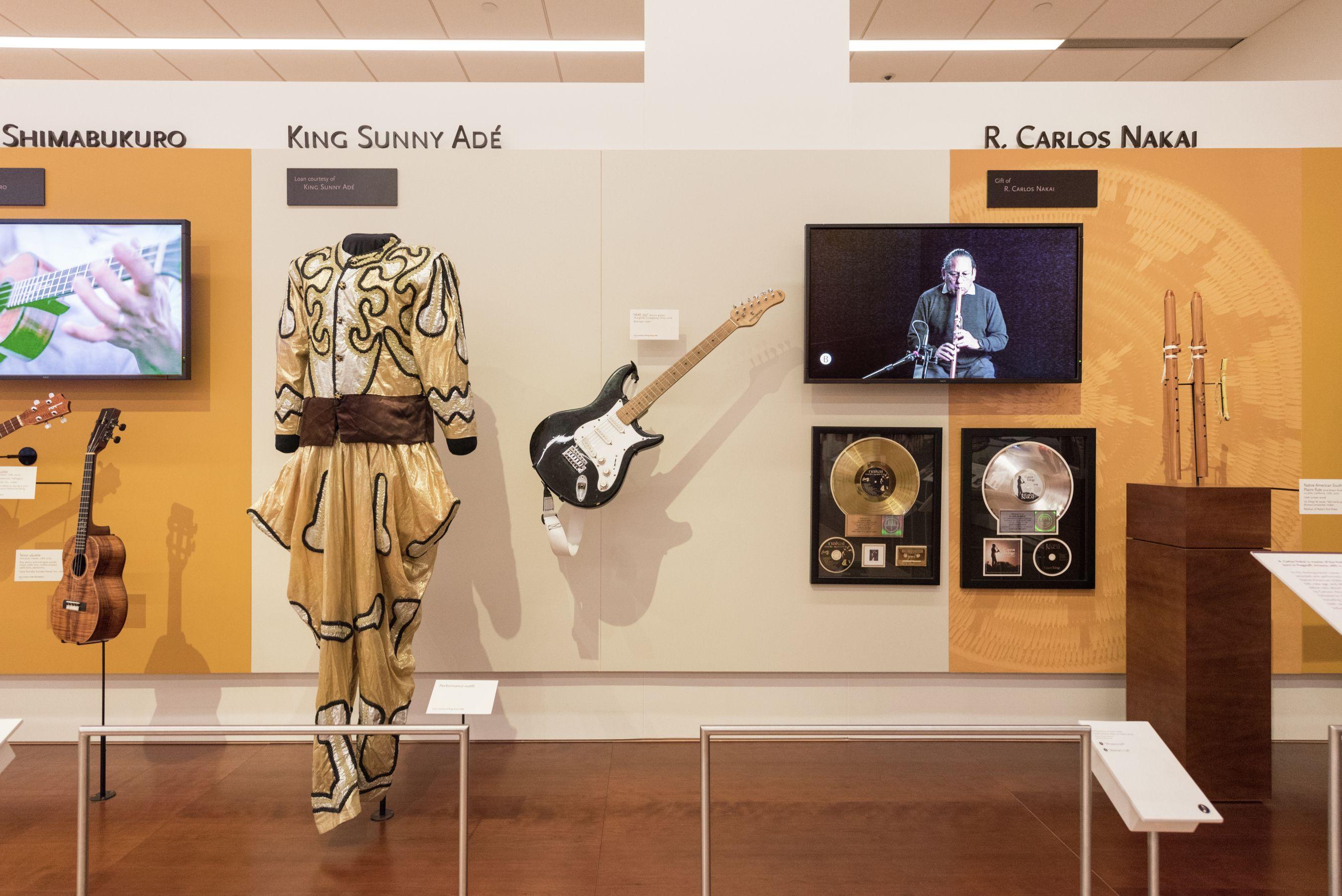 King Sunny Adé exhibit, Artist Gallery Artist gallery