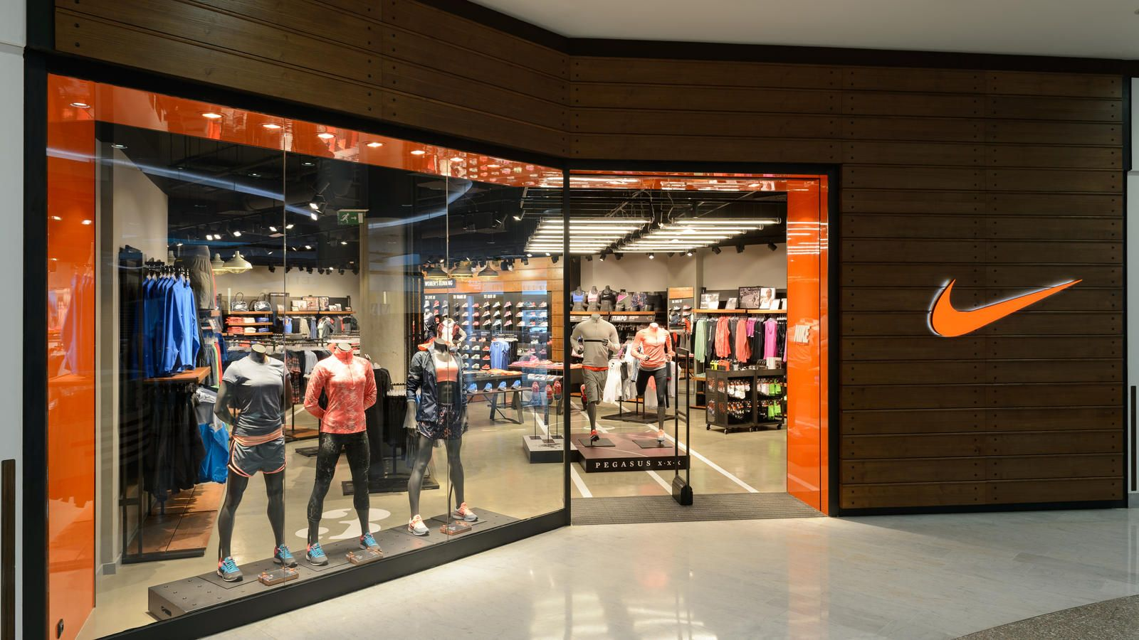 probabilidad Cenagal envase  New store in Prague opens September 19 and offers the latest collection  across footwear, apparel… | Healthy meal delivery service, Super healthy  recipes, Nike store