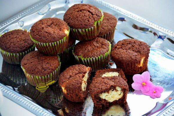 Krehké čokoládové muffiny s tvarohom. Tento koláčik je srdcovou záležitosťou celej našej rodiny | Chillin.sk