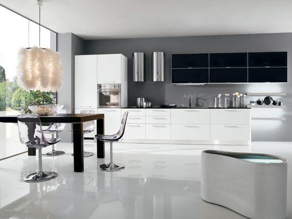 Cucina lineare moderna lunghezza 510 cm in finitura acrilico lucido ...