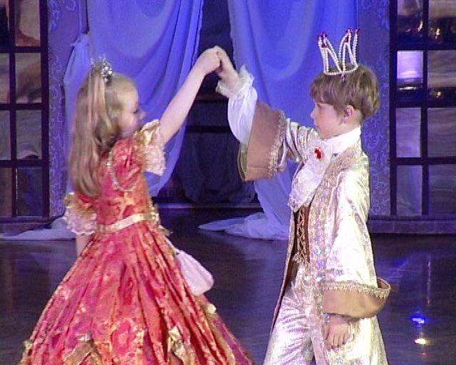Костюм принца или короля для мальчика своими руками. ШТОРЫ