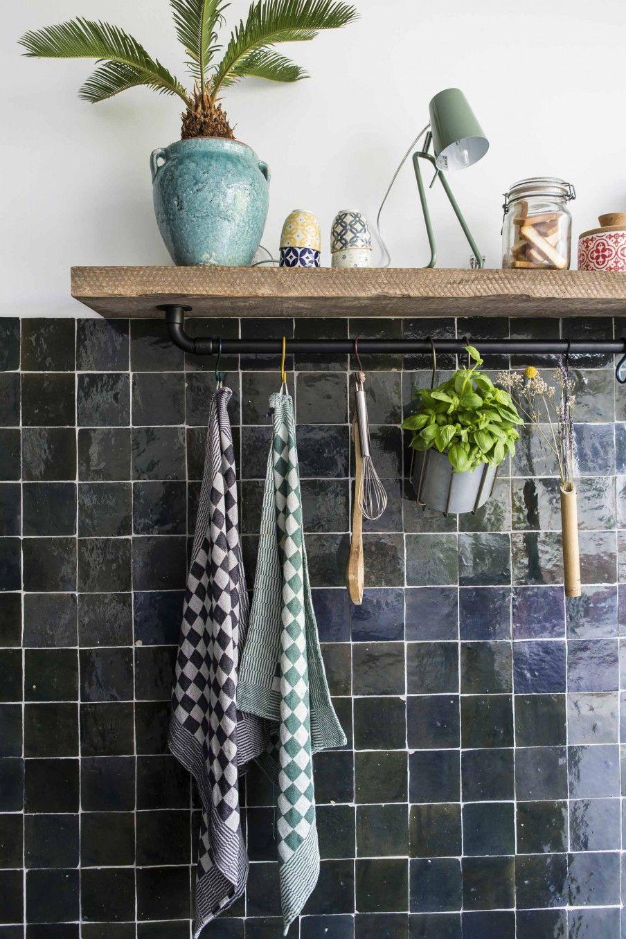 Küche mit schwarzen Fliesen | Küche Deko | Pinterest | schwarze ...
