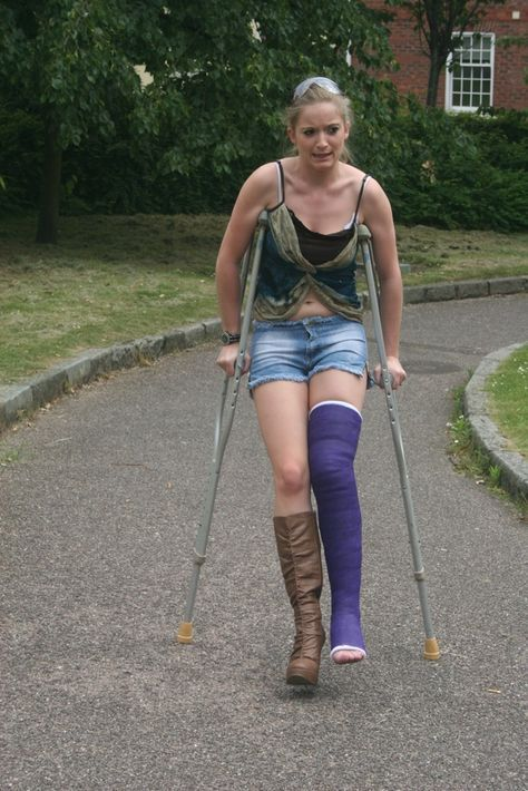 Pin By Join Now On Crutches Long Leg Cast Leg Cast Female