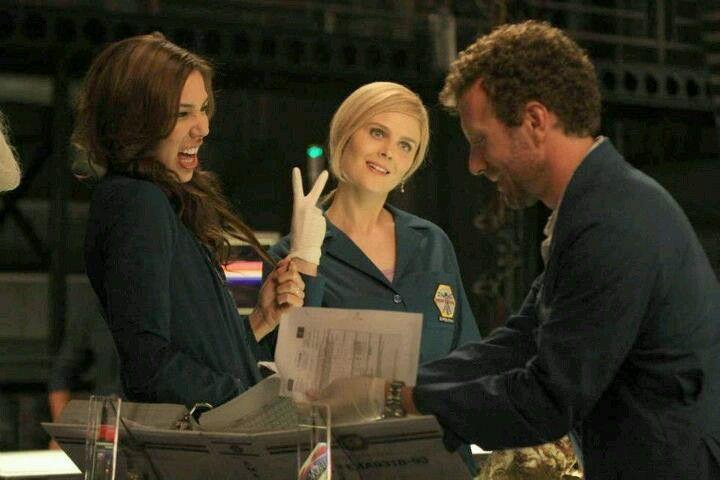 Season 8 Episode 1 Bones Tv Series Cast Of Bones Bones Tv Show