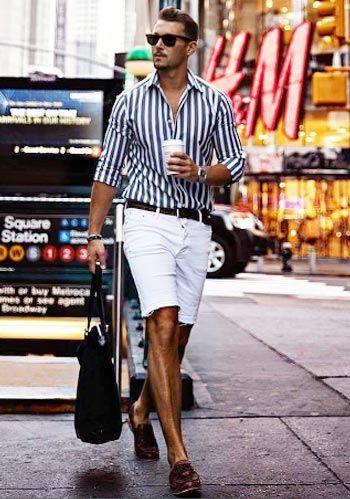969aad2fcfb9f 【夏】ロンドンストライプシャツ×白ショーツ×茶ローファーの着こなし(メンズ)   Italy Web