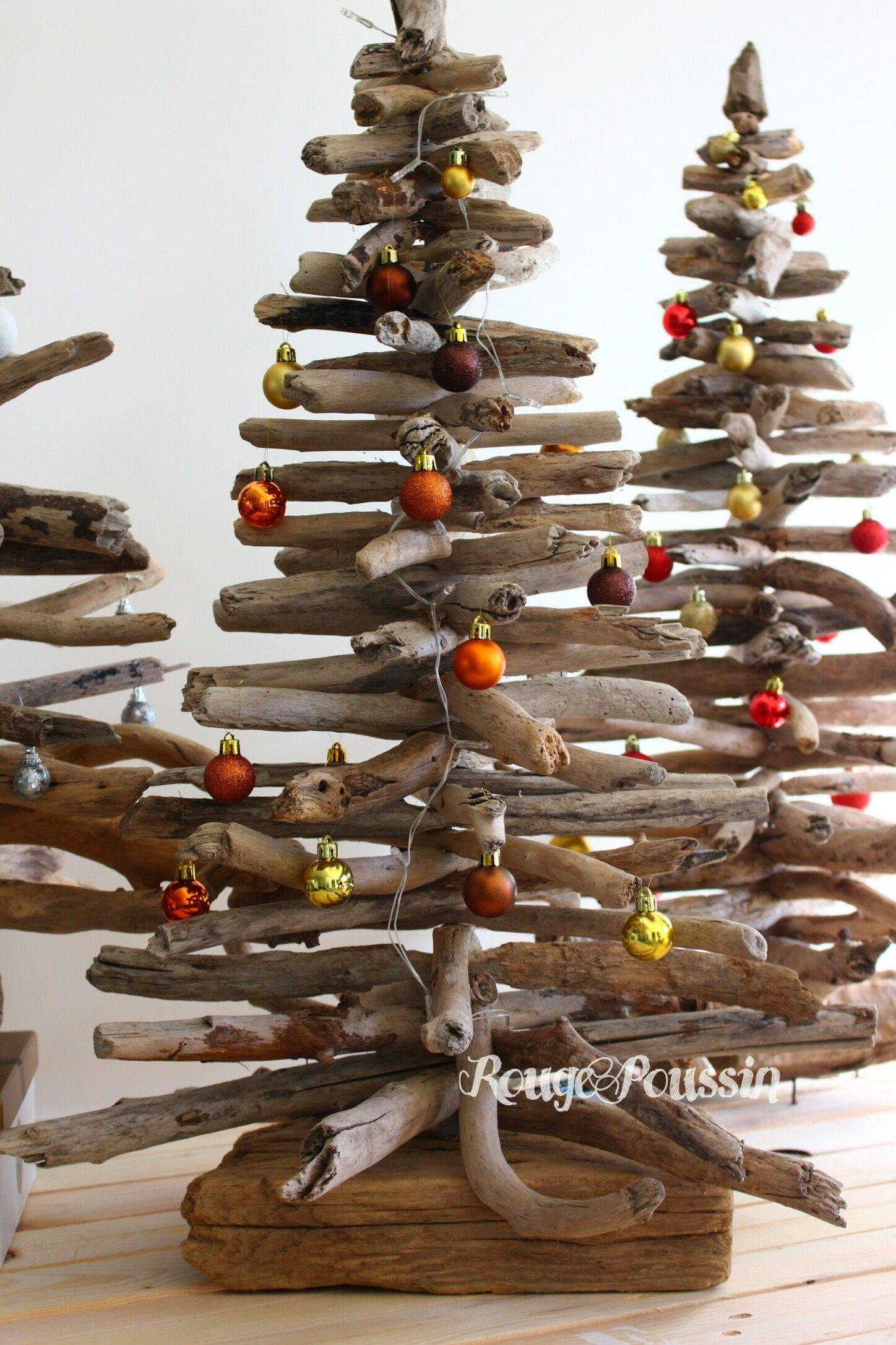 Les sapins de noël en bois flotté de Rouge Poussin | déco Noël ...
