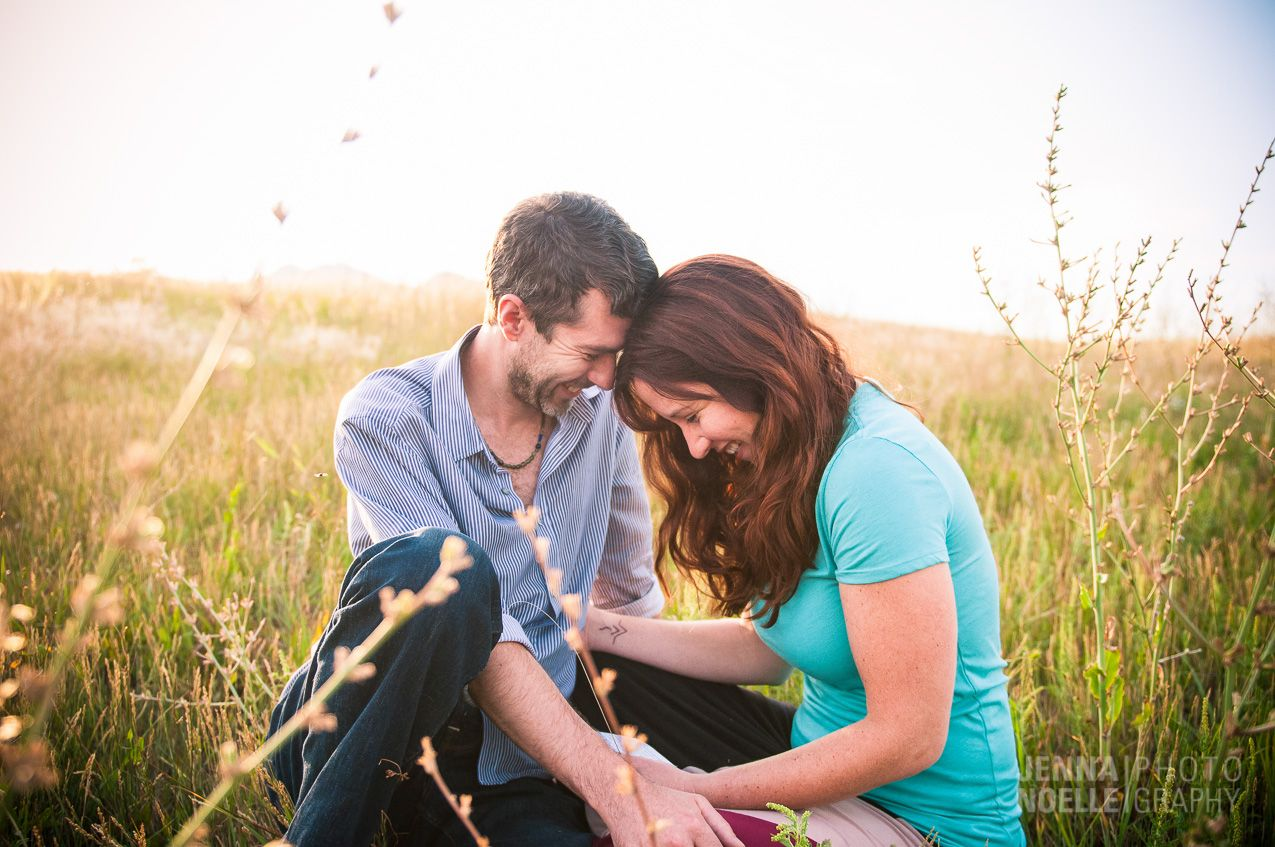 Colorado engagement photography, candid engagement photography, Jenna Noelle Photography, Jenna Noelle Weddings