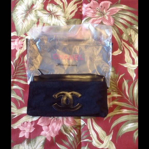 702b57280cbe Chanel makeup bag NWOT brandnew 100% authentic. Chanel vip beauty counter  gift. CHANEL Bags Cosmetic Bags & Cases