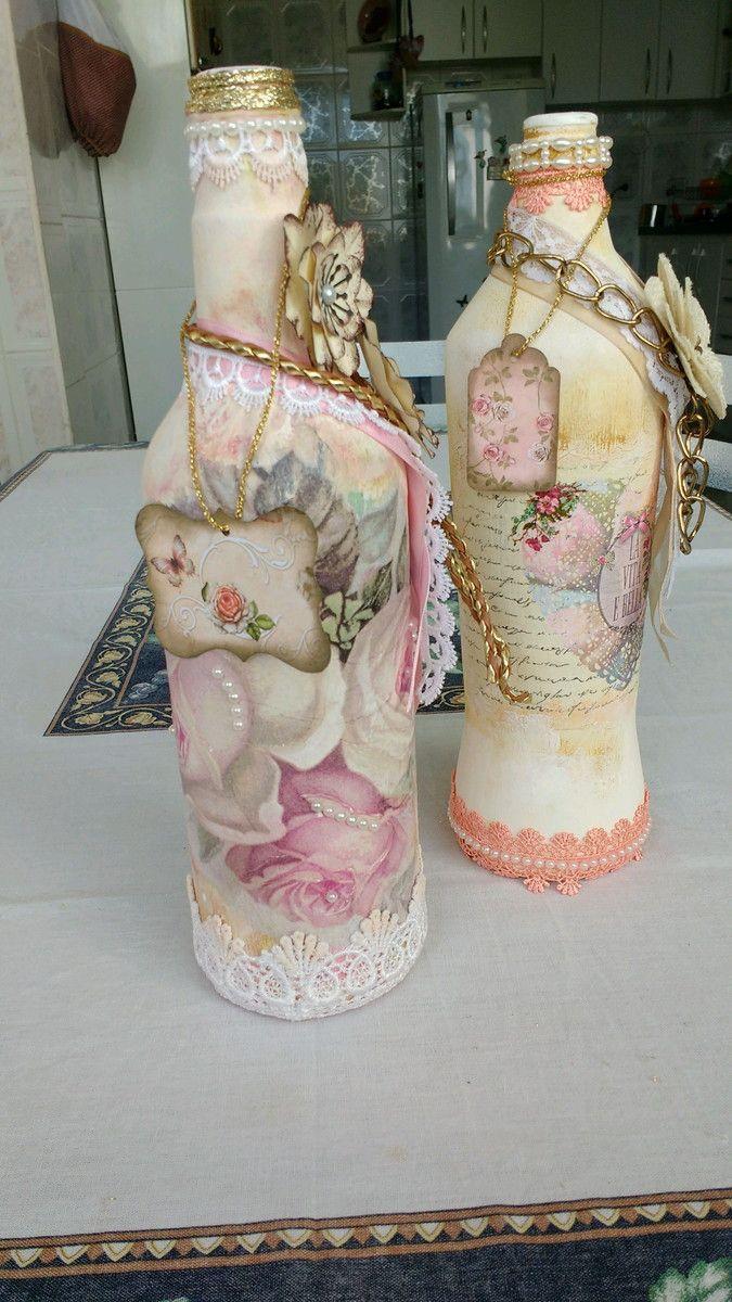 Uma bela peça para decorar sua casa, são estas garrafas em estilo Shabby chic. Você vai amar!!