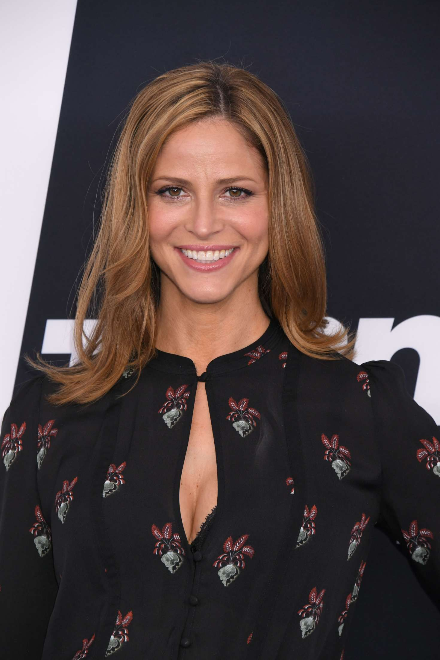 Andrea Savage Sexy andrea savage | mom hairstyles, medium hair styles, cool