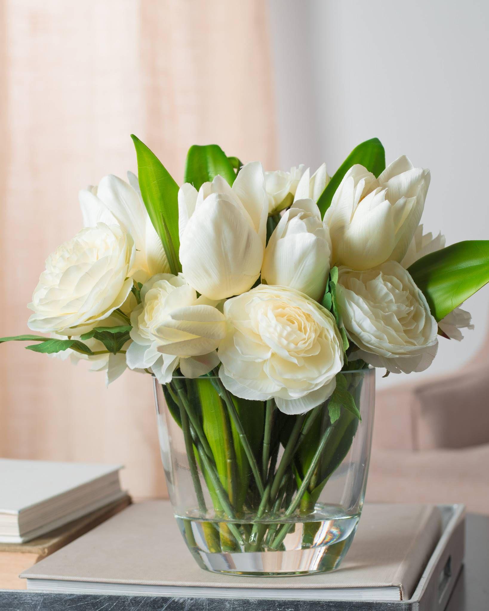 Tulip Ranunculus Flower Arrangement A Gathering Of Beautiful White Flo Flower Vase Arrangements Artificial Flower Arrangements Flower Arrangements Simple