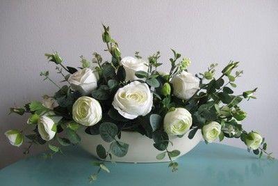 Sztuczne Kwiaty Kompozycje Kwiatowe Biale Roze Flower Vase Arrangements Flower Arrangements Flower Decorations