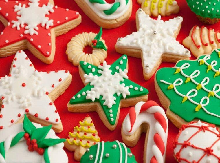 Biscotti Natale Pasta Di Zucchero.Ricette Di Natale Biscotti Decorati Con Pasta Di Zucchero