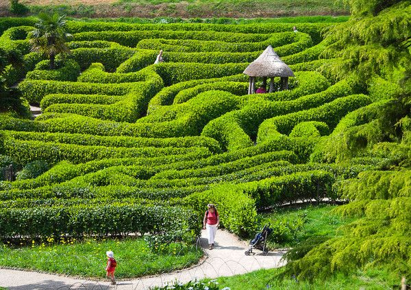 17 Best 1000 images about Labyrinth on Pinterest Gardens Maze and