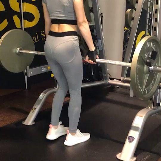 いつかのデッドリフト  60kgに初挑戦! これで人一人くらいは余裕で持てる!  It's my first time to lift...