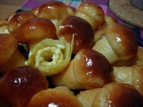 Il mondo di fabyred: babà mignon ripieni di crema al limoncello
