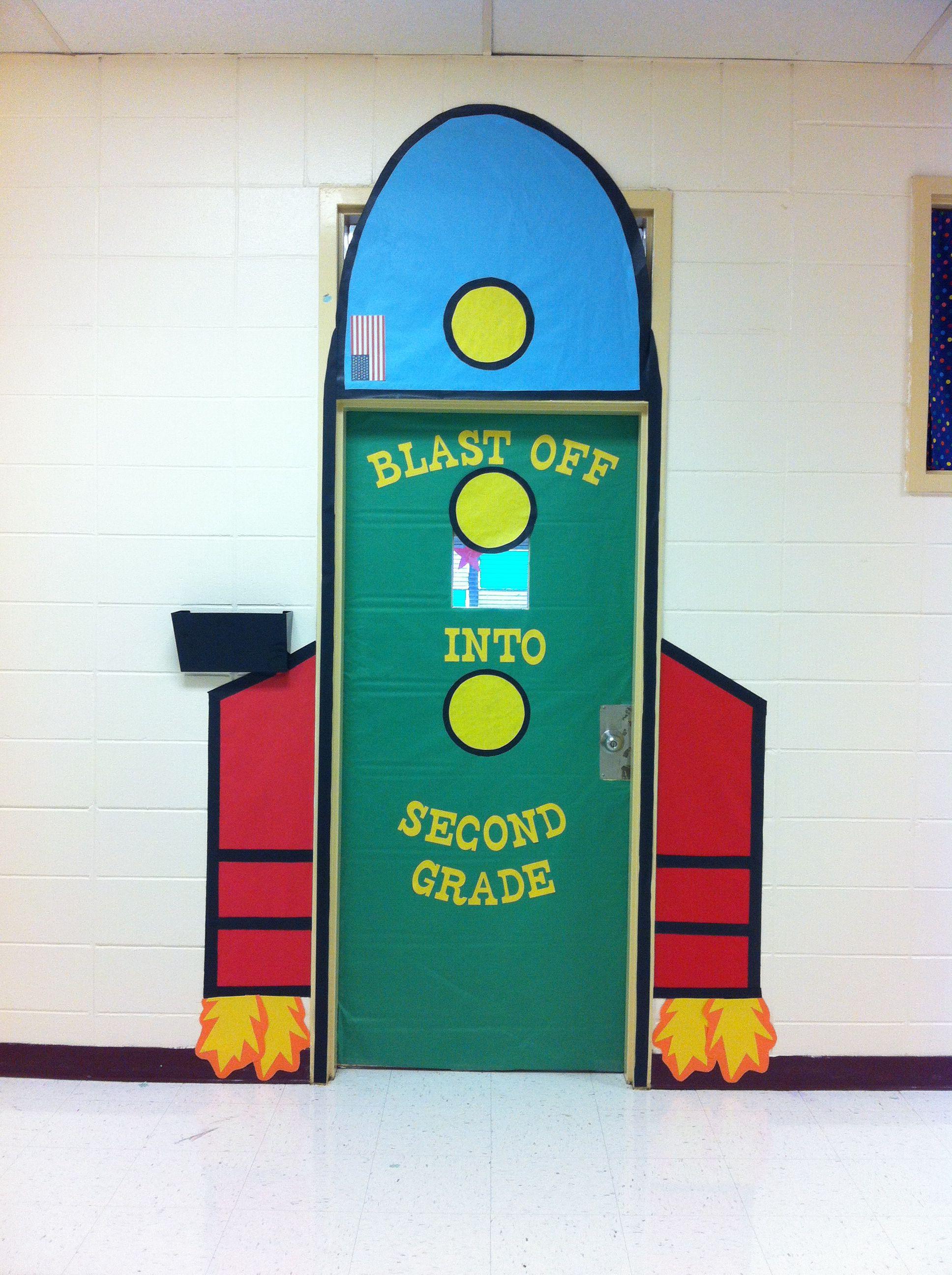Classroom door rocket. Blast off into second grade! | Fun Stuff ...