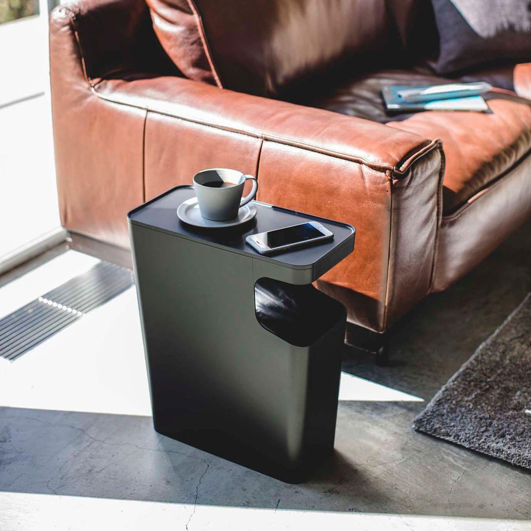 ゴミ箱とサイドテーブルが一緒になった ダストボックス サイドテーブル タワー のご紹介です ゴミ箱上のデッドスペースをサイドテーブルとして活用した省スペースで便利なアイテムです リビングのソファ横や寝室のベッドサイドなどに置けばスマホやリモコン