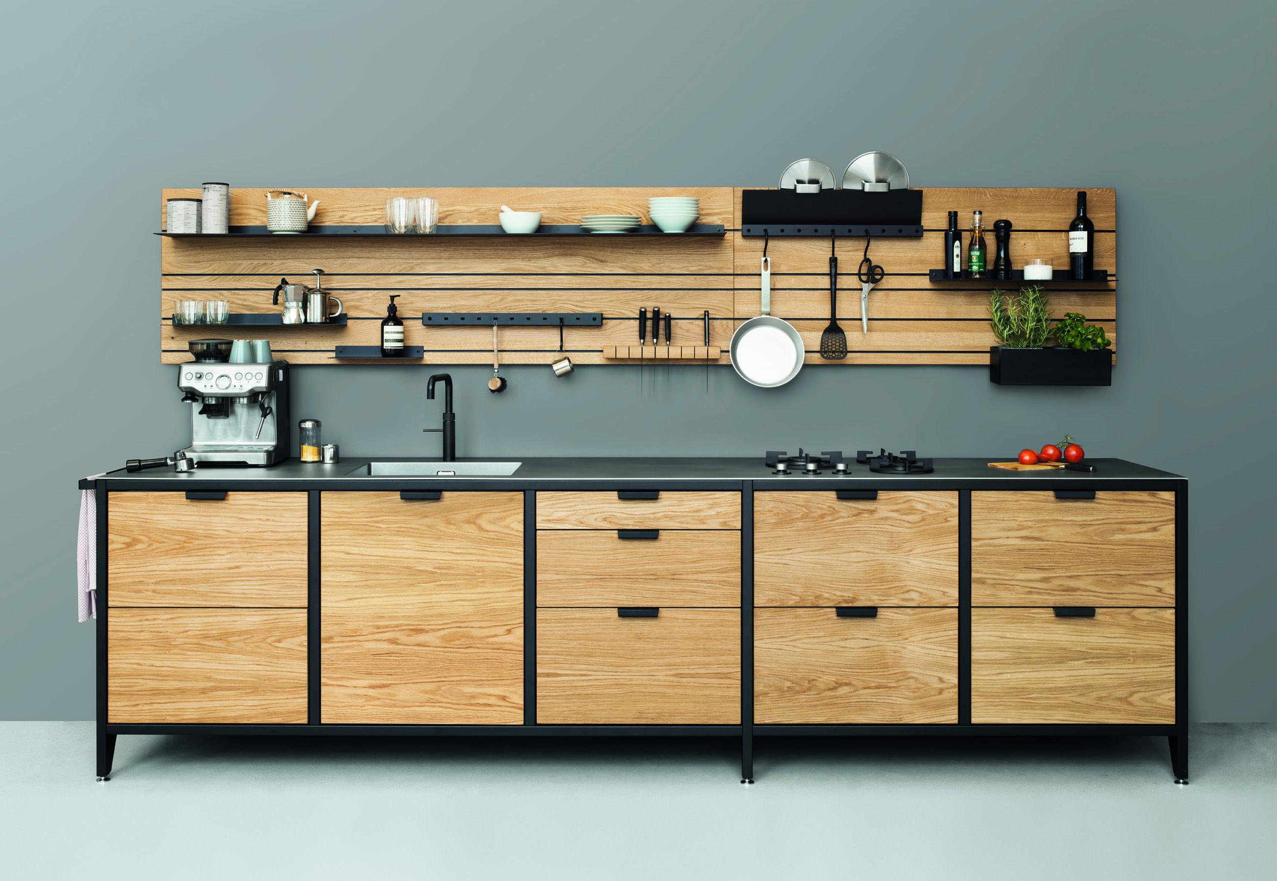 WANDPANEEL Regal – ein Regalsystem für die Küche von Jan Cray