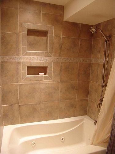 Jetted tub, with Porcelain Tile and Niches | Jetted tub, Porcelain ...