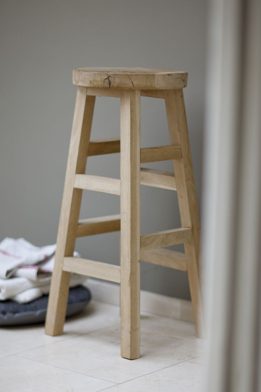 Country Style Rustic Raw Oak Wood Tall Bar Stool