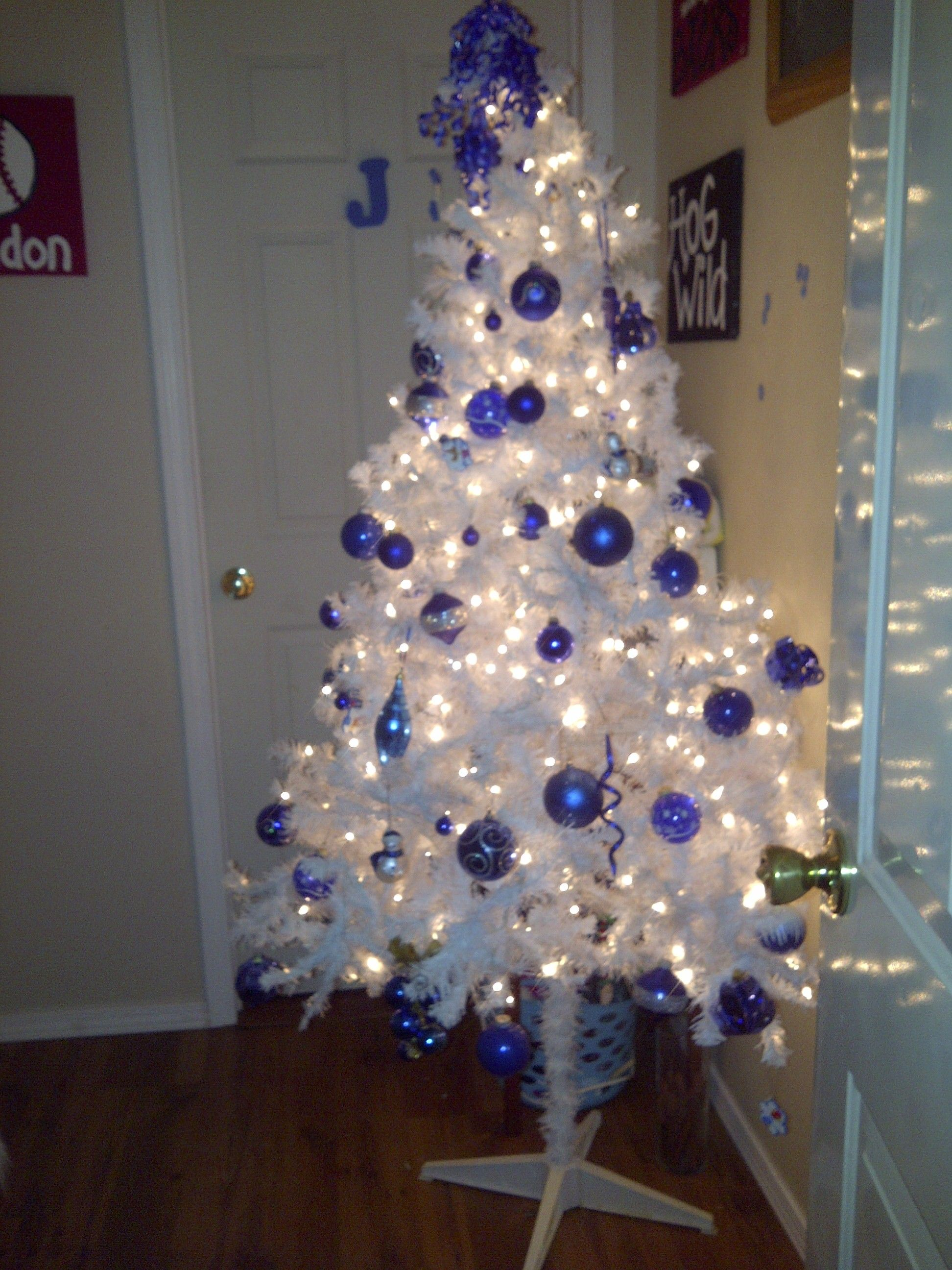 White Christmas Tree With Royal Blue Decorations White Xmas Tree Kentucky Christmas Tree White Christmas Trees