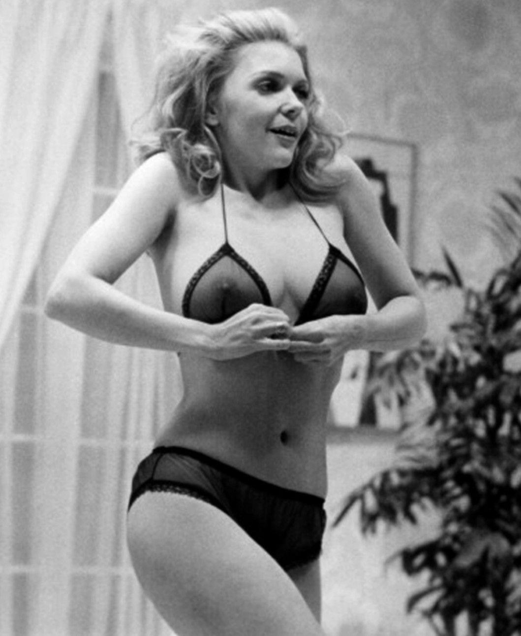 picture Jennifer Welles
