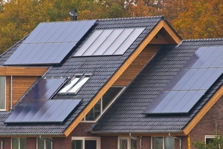 Solaranlage Dach Bild 4 Solaranlage Auf Dach Kosten Kosten Solaranlage Dach Warmwasser Solar Panels Best Solar Panels Solar House