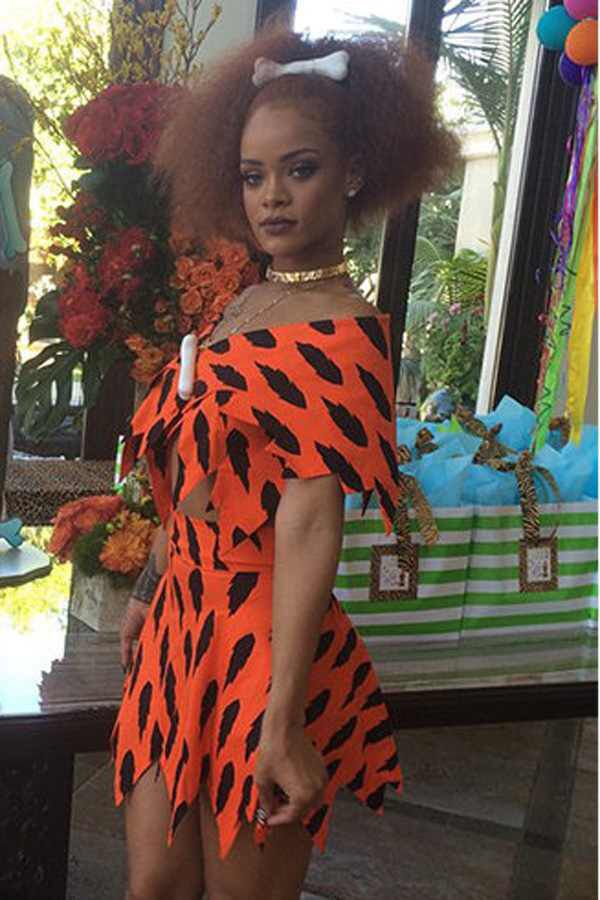 c5ec2be857fcf Rihanna as pebbles bamm bamm from the flinstones Disfraz De Pebbles