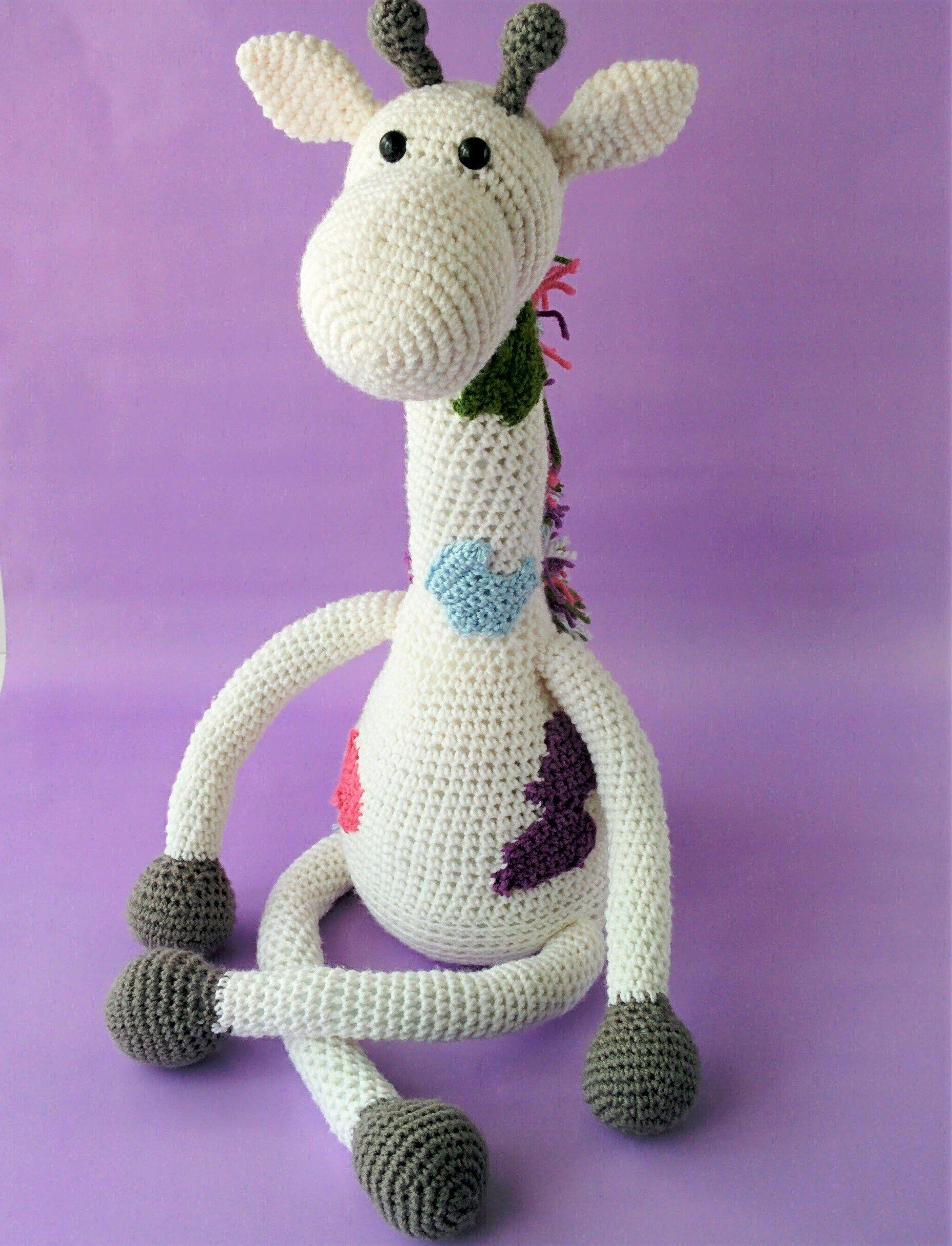 Crochet Giraffe Plushie FREE Pattern | Giraffe, Crochet and Patterns