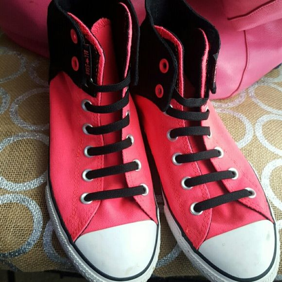 8f716a3cd009 Hightop Converse Hardly worn hot pink and black converse. They velcro shut  at the top . A few scuffs on them but I m pretty sure they will come off  with ...
