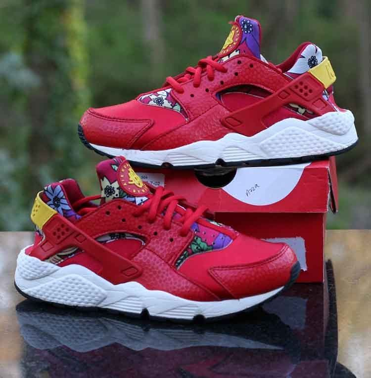 c64c19d3fc1 Nike WMNS Air Huarache Run Print University Red Yellow Black 725076-601 Size  8.5  Nike  LowTop