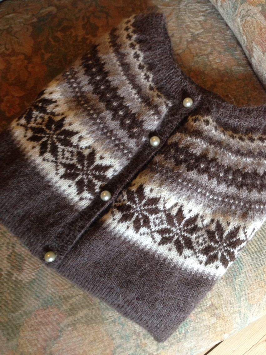 Another homemade sweater - Pattern by SandnesGarn