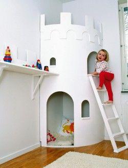 Hörnkojan Borgen från Smallroom - SR01. Wonderful Swedish site for beautiful wooden toys and children furniture.