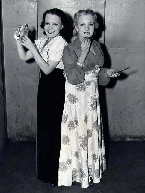 Violet & Daisy Hilton, also known as the San Antonio Siamese Twins ...