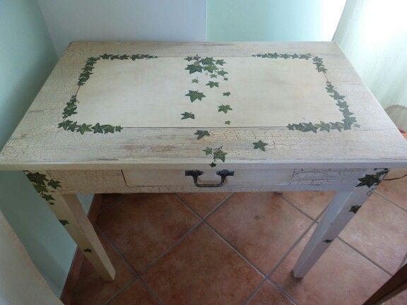 Decoupage Tavolo ~ Piccolo tavolo decorato con tecnica del crackle e decoupage