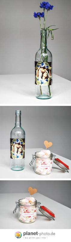 Haftsticker sind ideal für Gastgeschenke zur Hochzeit. Erst selbst gestalten und danach Flaschen oder Gläser damit verzieren. https://www.planet-photo.de/stickers