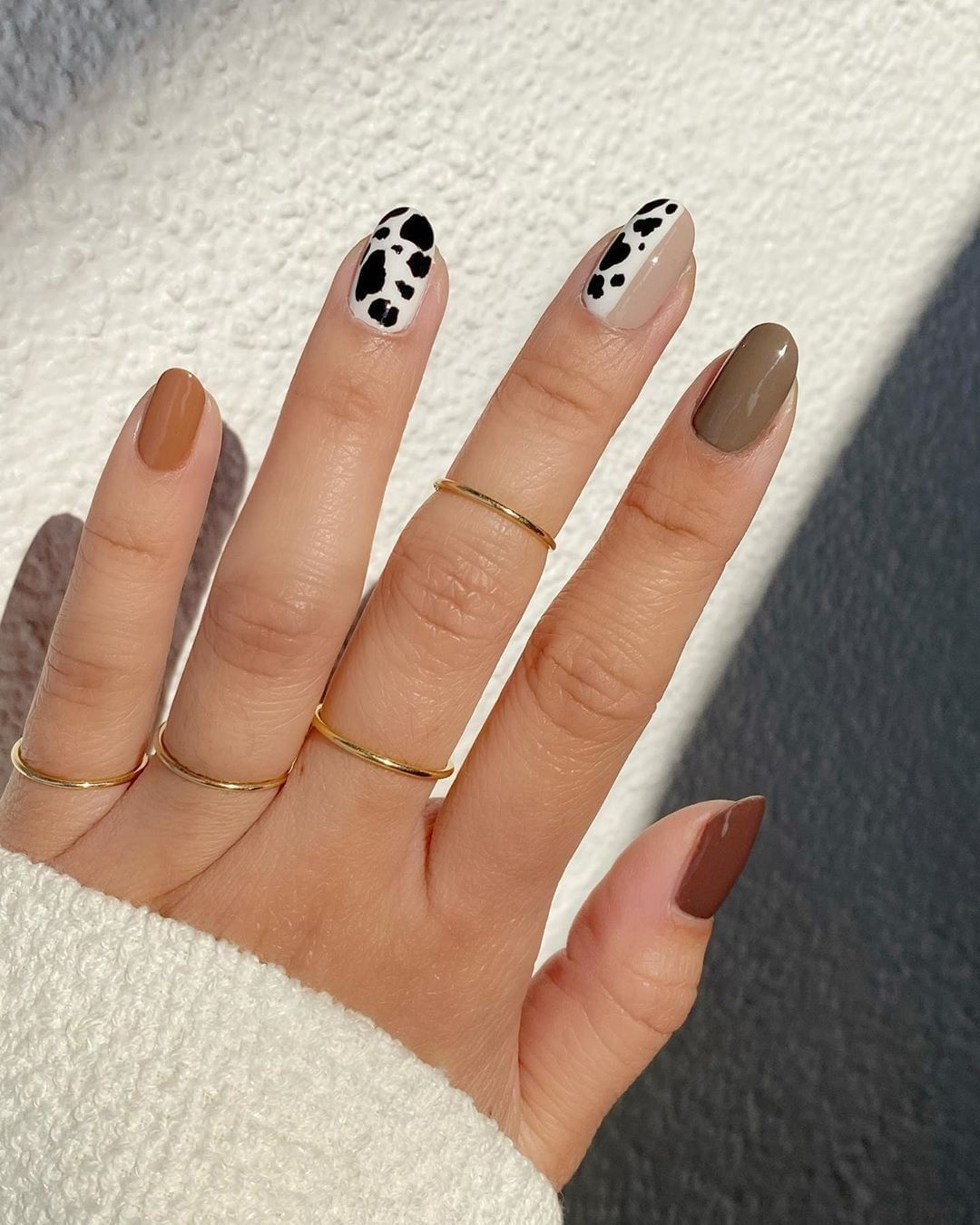 More Than Fashion On Instagram A Whole Moo D Nailartbyqueenie Sally Hansen Nail Polish In Raw Cocoa 1670844 In 2020 Cow Nails Minimal Nails Minimalist Nails