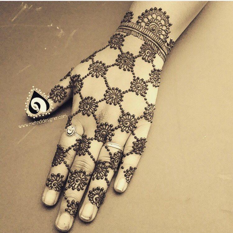 Pretty Henna Designs: Pretty Henna Design