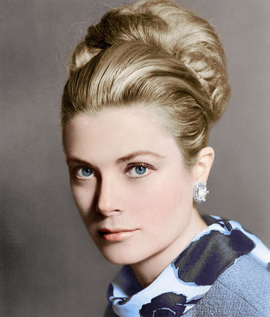 Pin By Morgan Zweifel On Royals Frisur Knoten Grace Kelly Promis