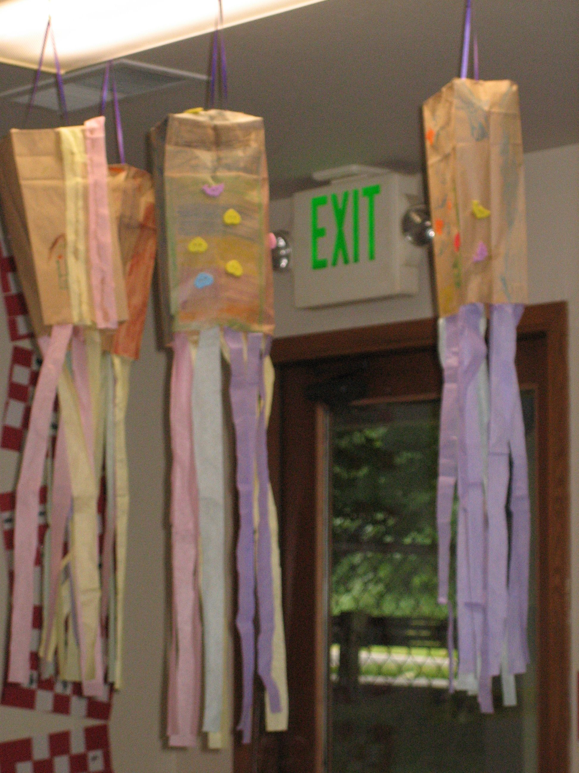 how to make a paper windsock