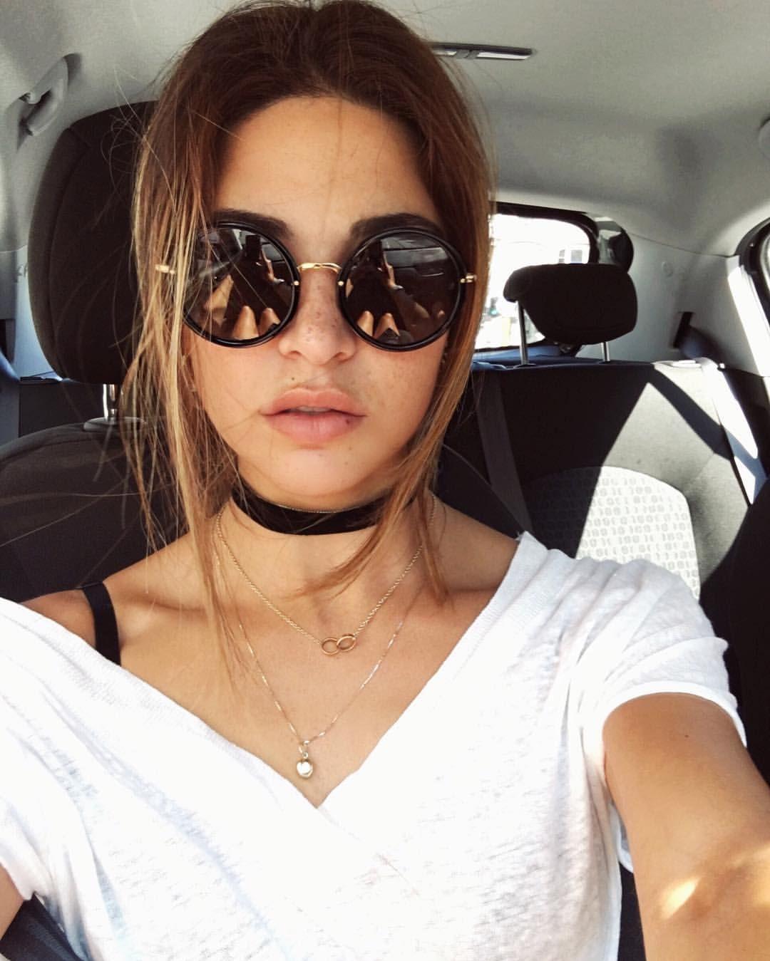 Chokers, Eyewear, Negin Mirsalehi, Face Aesthetic, Roupas Fashion,  Eyeglasses, Sunnies 3dcf2acdab