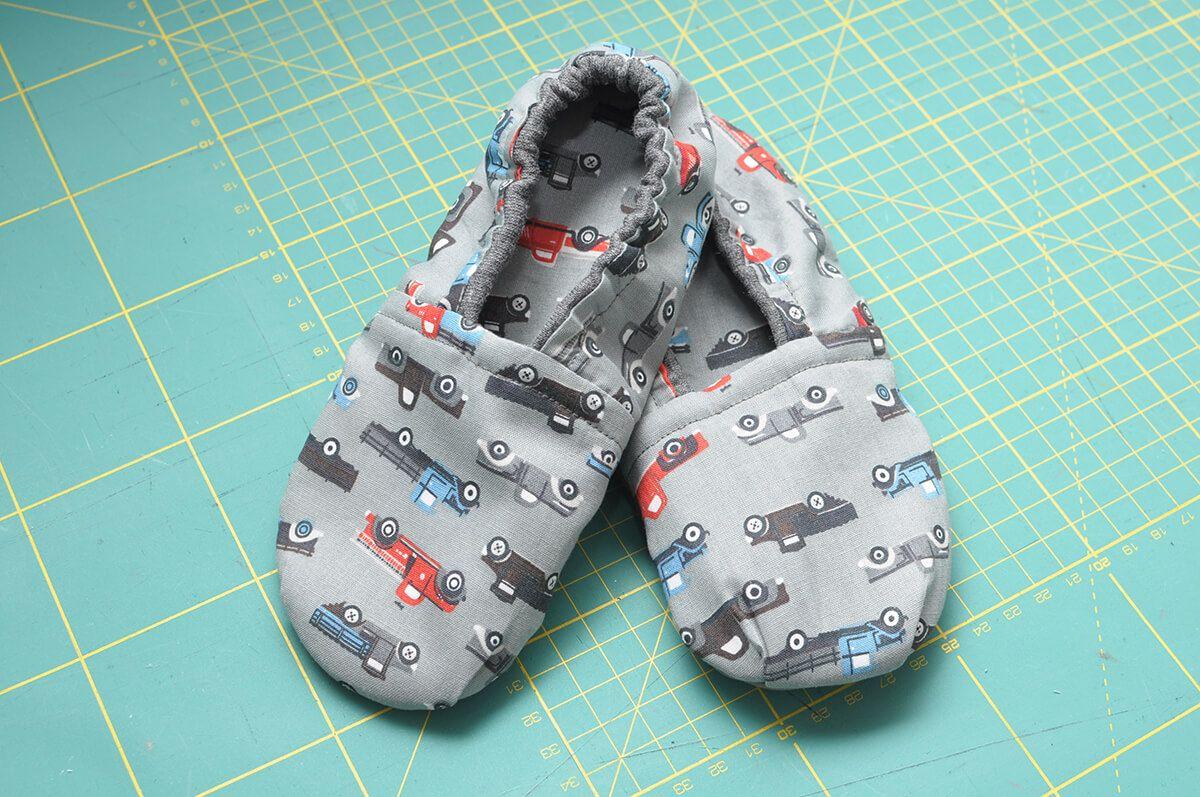 Diy Kapcie Dzieciece Maszynybrother Pl Baby Shoes Slippers Shoes