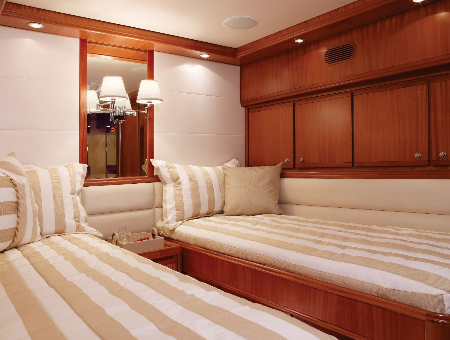 Best Bertram 70 Twin Bedroom Luxury Yacht Offshorelife 400 x 300