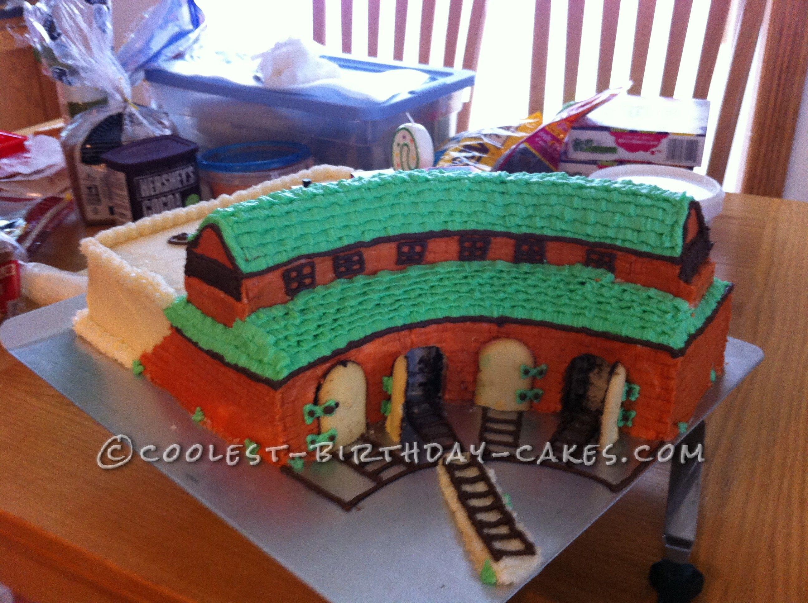 Sams Thomas The Train Roundhouse Cake Birthday Cakes Cake And