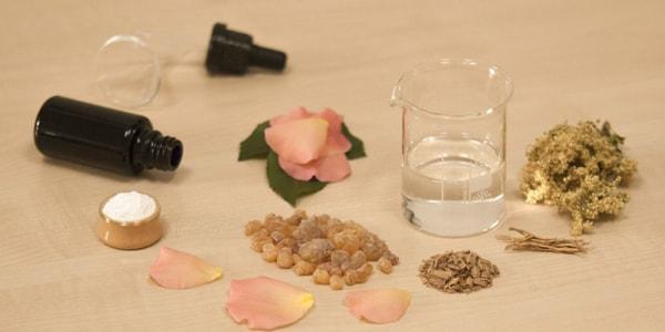 تجربتي مع لبان الذكر للوجه لإخفاء التجاعيد وتبييض البشرة مجلة العزيزة In 2020 Essential Oil Blends Recipes Frankincense Essential Oil Ginger Essential Oil