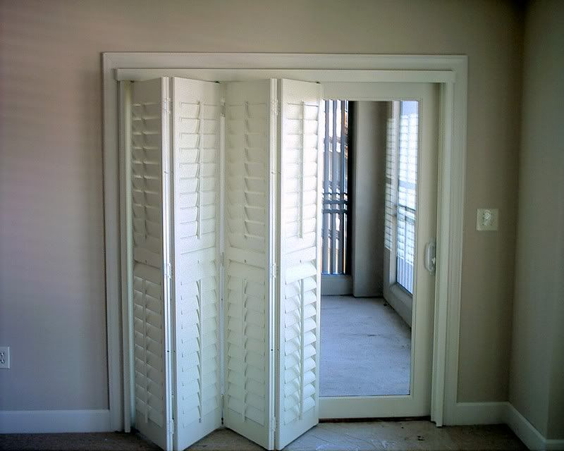 Bi fold shutters plantation shutters stacker or bifold pics please architecture for Bifold interior window shutters